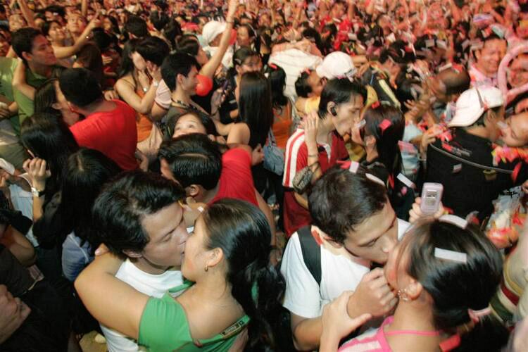 吉尼斯接吻记录大全,世界上接吻最快的人(30秒吻42人)