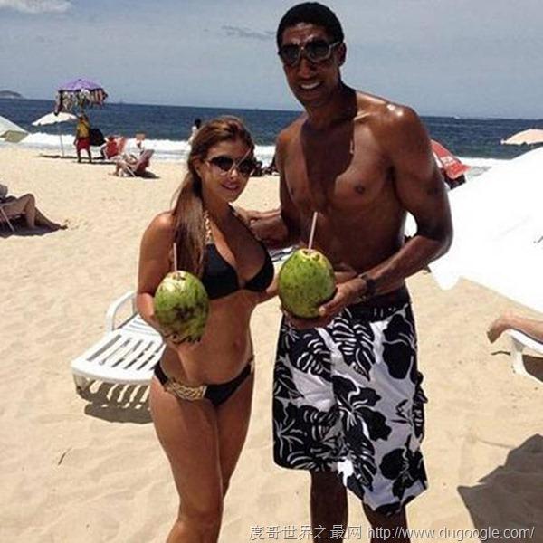 NBA抛妻寻嫩草的大龄球员,皮蓬妻子最美
