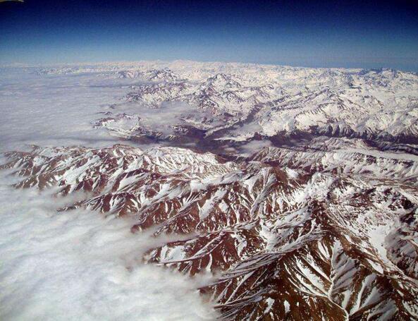 世界上最长的山脉是什么?安第斯山脉(全长8900公里)