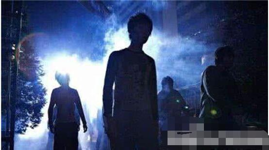 揭秘深蓝孩童真相,火星男孩波力斯卡拥有神奇的预言之术