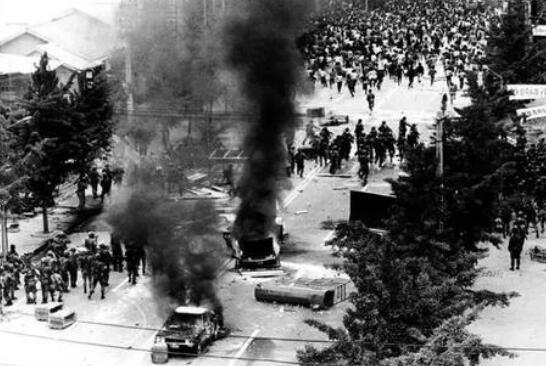 韩国光州事件经过,军队向平民开火(上万人死亡)