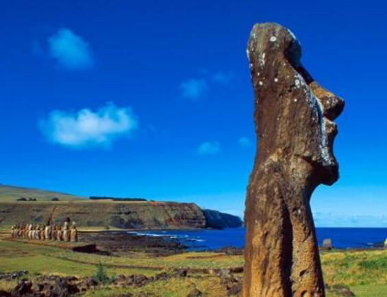 智利复活节岛石像之谜,据说每个石像对应一个已故的酋长