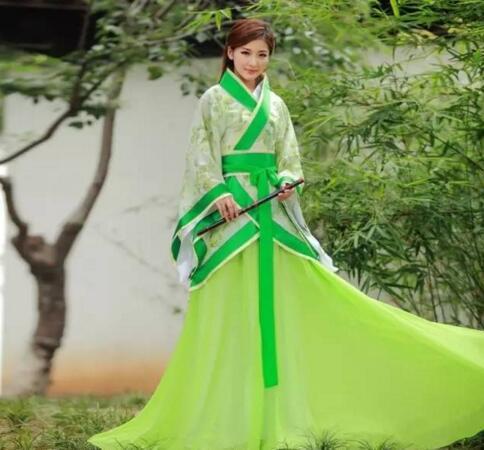 揭开古代留仙裙的真实面纱,实则纱线受潮织成的绉纱裙