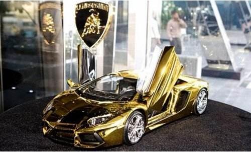 黄金宝马车最贵的_世界上最贵的车,黄金跑车其实是道具车(惊世骗局)(2) — 度哥 ...