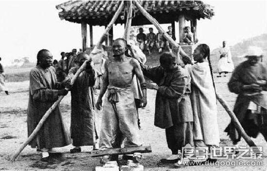 史上最后被凌迟处死的人,康小八受刑的恐怖过程