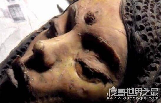 月球三眼女尸是真的吗,月球背面发现飞船残骸真相