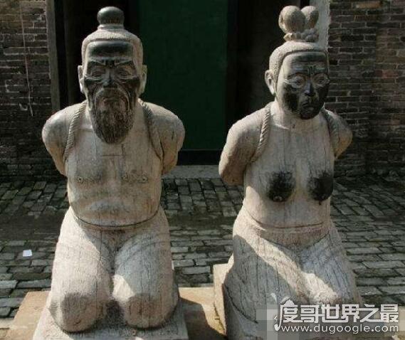 岳飞墓前的四个铁人身份来历,经过多次重铸留下的千古罪人