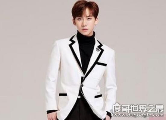 偶像练习生丁泽仁与张艺兴的关系,同是SM公司练习生