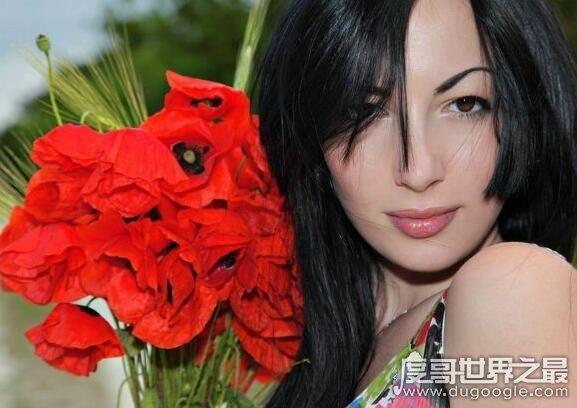智慧与美貌并存的库喜娜卡吉利,成为糯康情妇誉为罂粟皇后