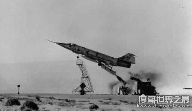 飞行棺材F104战役机,飞行员的噩梦