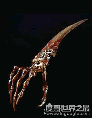 世界上最诡异的十把刀,鬼手刀用家人骨头制作(得之必疯)