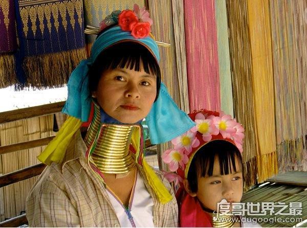 世界上脖子最长的人,帕督安部落女性最长达40cm(5岁开始拉脖)