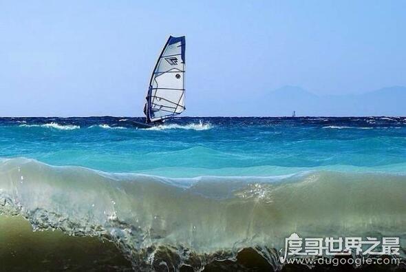 世界十大著名海上运动场所,圣地亚哥湾是风帆冲浪的天堂