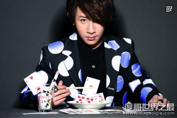 世界十大顶级魔术师排行榜,刘谦光荣上榜(国人的骄傲)