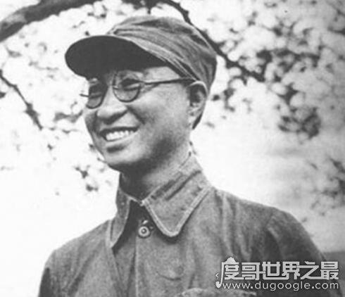 中国十大将军排名,粟裕是当之无愧的大将之首