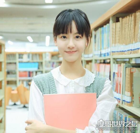 中国十大最美校服女生,每一个都是超清纯的大美女