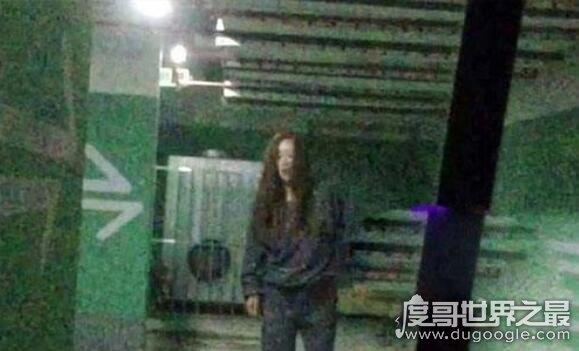 秦海璐养小鬼碎尸案视频,在地下车库被小鬼附身掐脖子