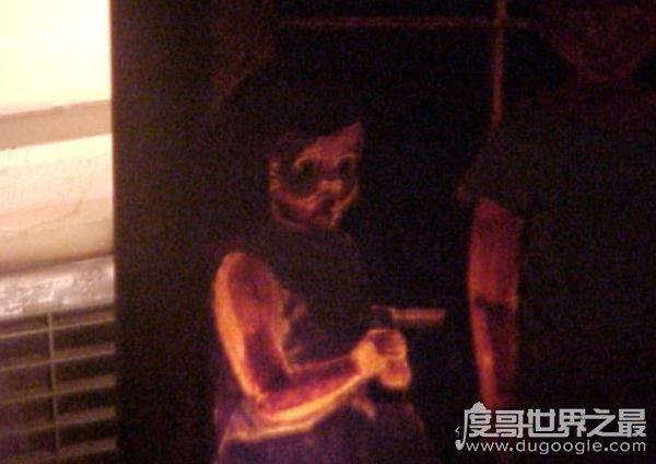 欧冠万博官网登陆禁画,致上千人死亡(奥迪的世界)被咒诅的画像