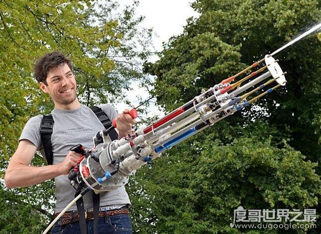 加特林式水枪,是世界上最复杂的水枪(射程可达12米)