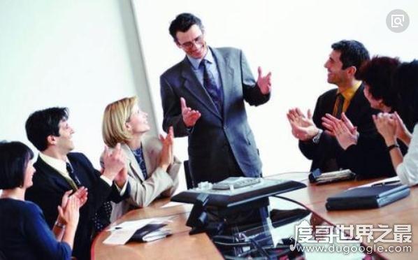 霍桑效应指人受关注后表现积极,企业管理中宣泄效应的运用