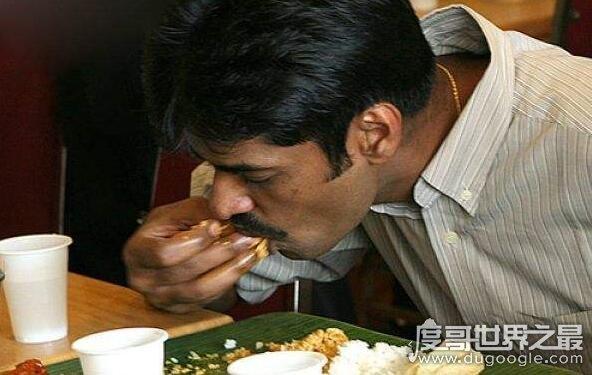 印度人为什么用手抓饭吃,右手抓饭贴近大自然(左手擦屁股)