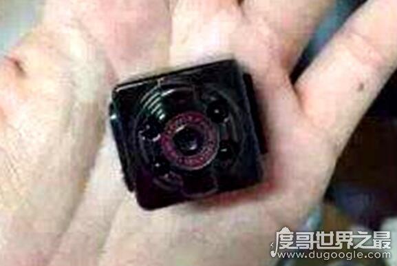 浙大女厕现偷拍,有人在女厕发现微型摄像头(正对着便池)