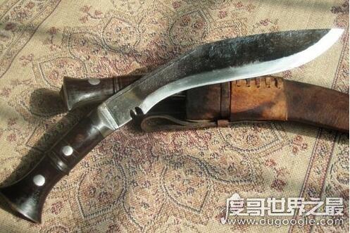 尼泊尔军刀图片,光看外形就觉得锋利的让人胆寒
