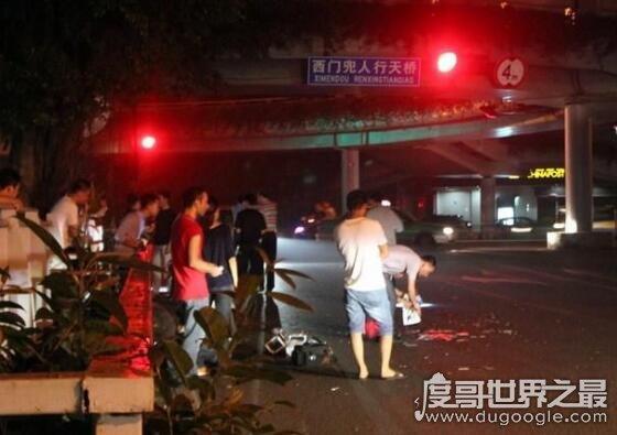 福州砍人事件真相,一男子连杀3人后被62岁的餐厅老板制服