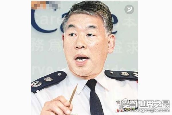 任达华的哥哥任达荣是高级警务人员,连港老大向华强都怕他三分
