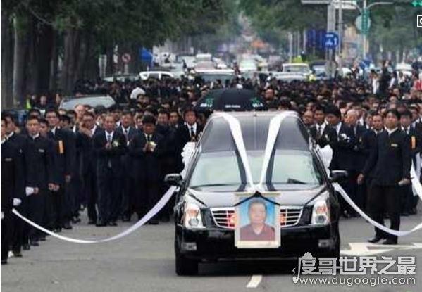 中国洪门老大林绅葬礼,九万马仔送行(美方出动20万名警察防暴乱)