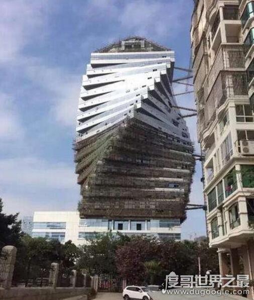 2018中国十大最丑建筑名单,广州铜钱大厦成功夺魁