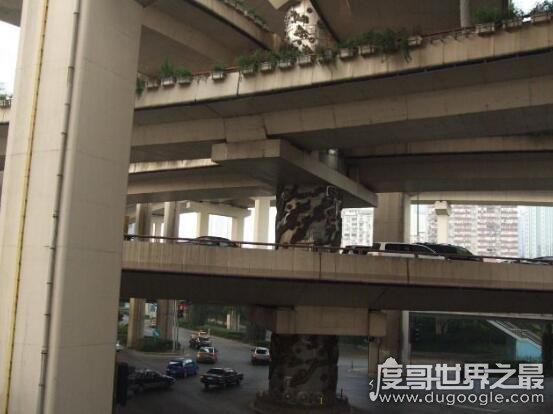 诡异的上海龙柱事件,根本没有什么灵异事件发生(是假的)