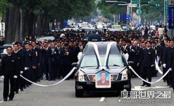 末代黑帮教父许海清,风光大半辈子最后害了家人还被噎死