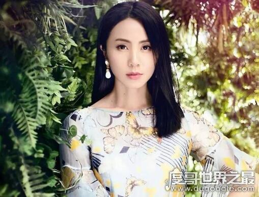 黄磊老婆温柔贤惠又漂亮,生了三个孩子的她是个幸福的女人