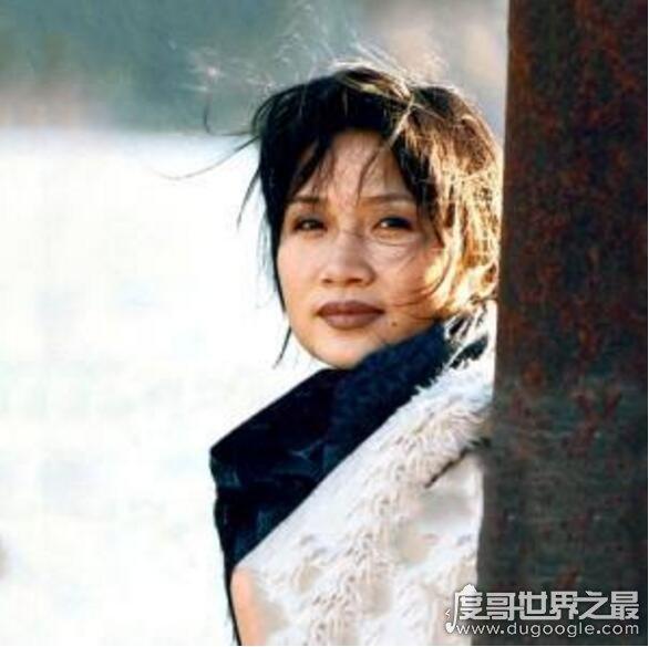 歌手李娜为什么出家?一本佛经《大明咒》令她看破俗世