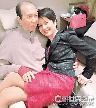 赌王四太梁安琪咋怀孕的?自然怀孕(78岁何鸿燊宝刀未老)