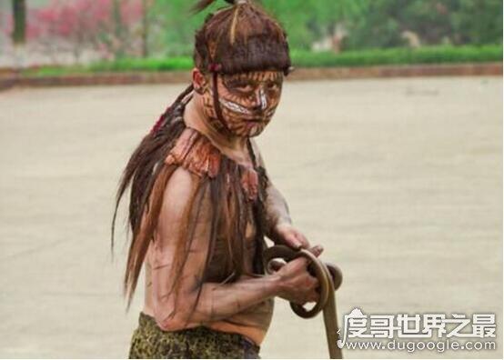 中国野人张四一真相揭开,山洞生存8年乃是谎言(为了炒作)