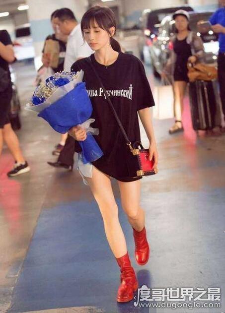 中国娱乐圈最瘦的女明星盘点,鲁豫获第一(郑爽70斤排第二)