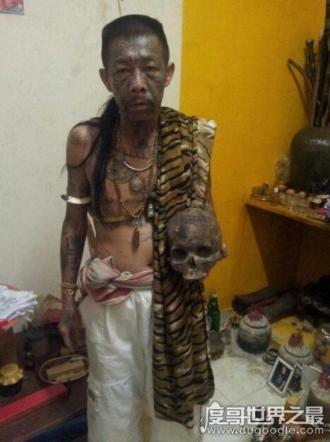 东南亚第一降头师,槟城鬼王(身上画符能让你刀枪不入:假的)