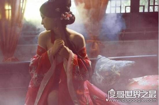 周幽王的宠妃叫什么,褒姒(烽火戏诸侯只为博其一笑)