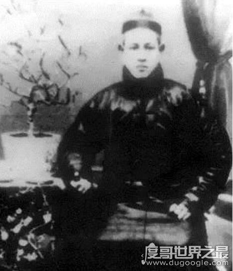 中国拳术八卦掌创始人,董海川(晚清十大高手之一)