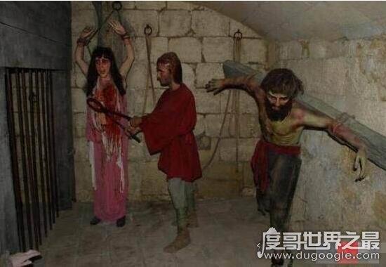 审讯女犯专用的乳房钳,用金属爪将乳房捣烂的女子刑法