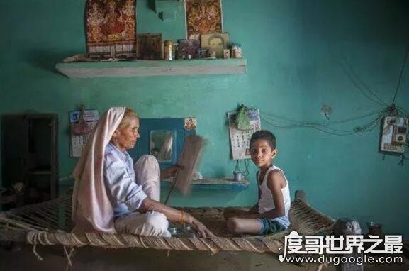 世界上年龄最大的妈妈,老太太74岁生下一对龙凤胎