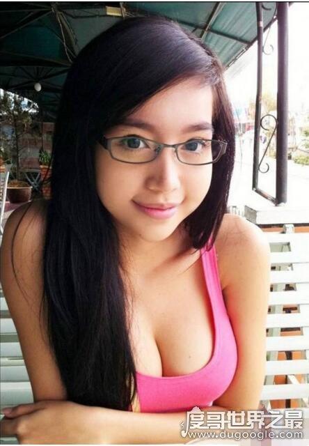 越南第一美女,阮金红(G罩杯的身材迷倒万千男士)