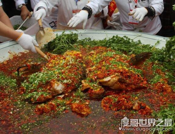 最大剁椒鱼头_世界最大剁椒鱼头,用100多斤的鱼制作而成(拍卖了13.2万元) — 度 ...