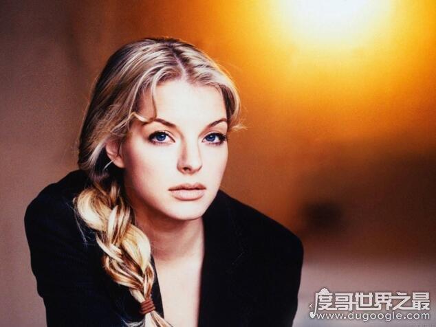 德国第一美女,依凡·卡特菲尔德(40岁的年纪20岁的脸)