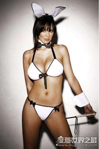 世界上胸部最美的女人,苏菲·霍华德(全球百大美胸第一名)