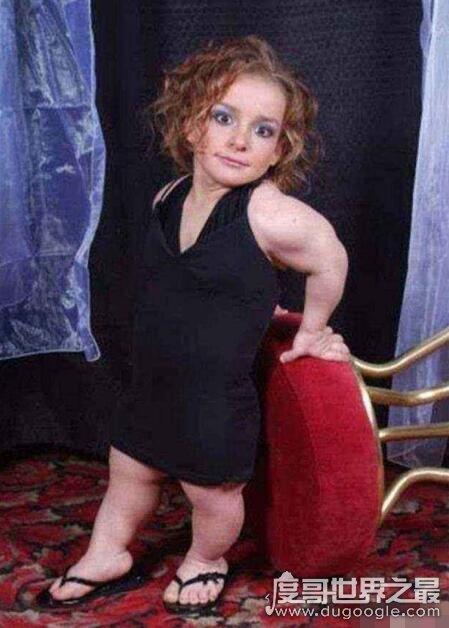 世界最矮钢管舞娘,塞西·卡西仅84cm(出场费高达4万美元)