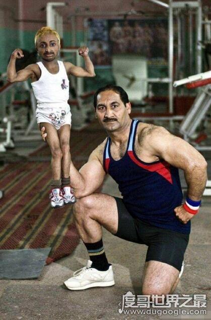 世界上最小的健身教练,印度侏儒男孩Adity(身高仅80cm)