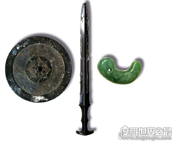 日本三大神器,天丛云剑/八尺琼勾玉/八咫镜(来源于中国)